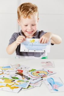 Learning to Read First Words Board game